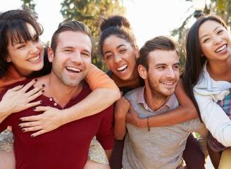 happy-people-friends